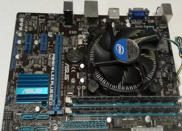 Video Graphics Card AGP GeForce 4 MX440-8X D64M CN-NG448-02 64Mb VGA S-VIDEO Pla