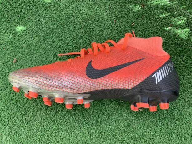 Chuteira Nike Profissional > Chuteiras | Loja do Som