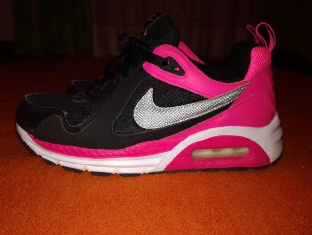 Novo Tenis Nike Com Flores Sapatos Tênis Nike Branco com o