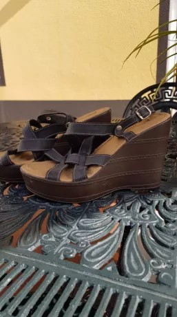 Sandálias castanhas nr 38 à venda Malas, Calçado